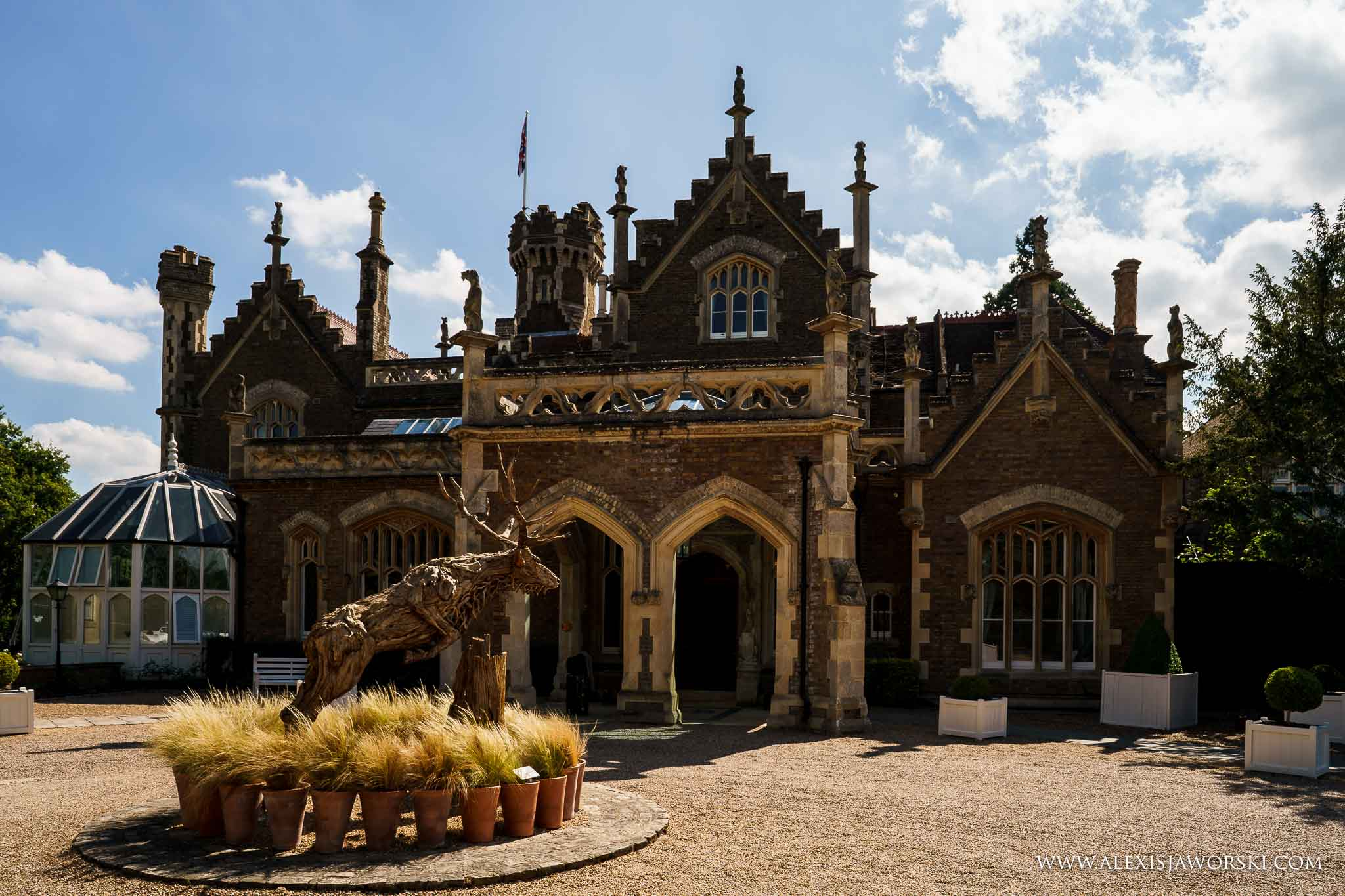 Windsor Oakley Court Wedding Venue