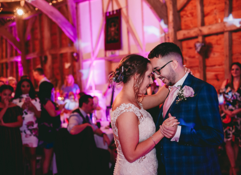 Manor Farm Barn Oxford Wedding DJ
