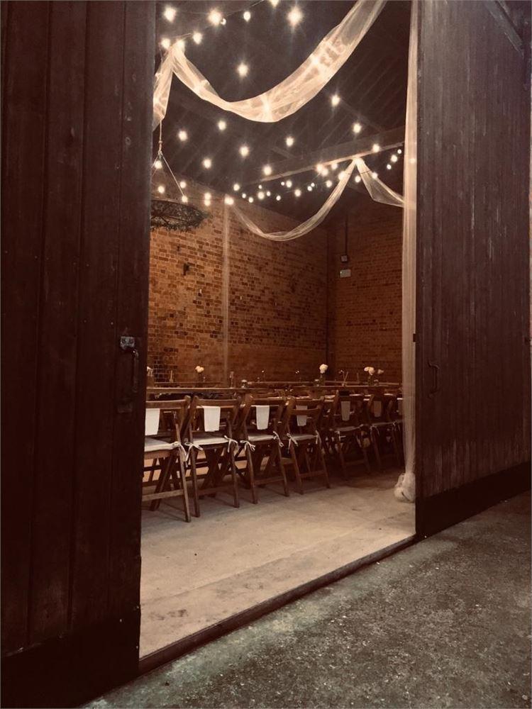 wedding dj Eastfields Farm Barns