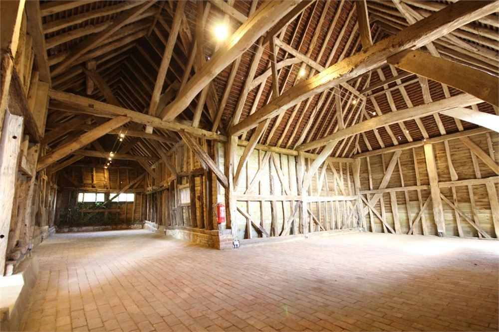 High Billinghurst Farm Surrey wedding