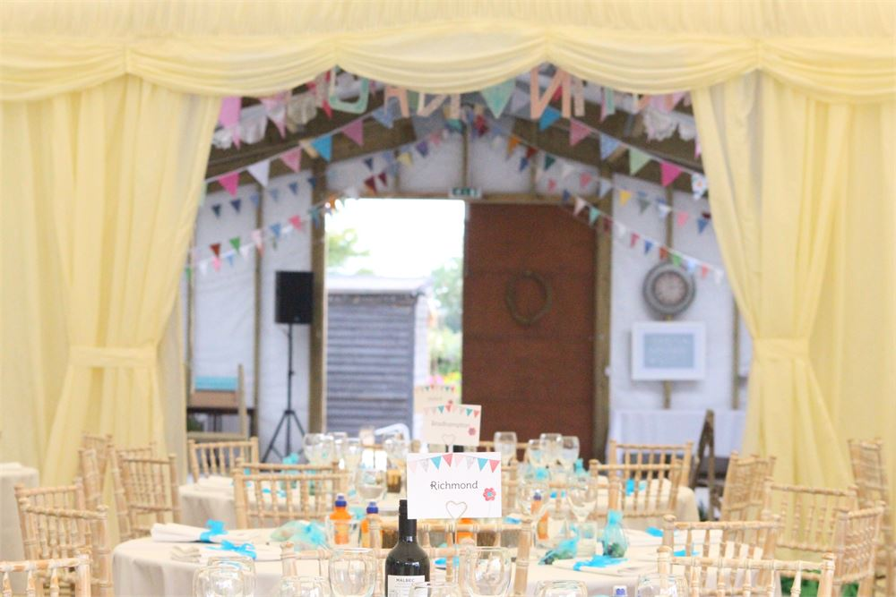 weddings at Acorn Barn