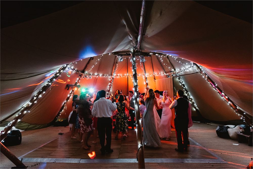 rustic wedding disco