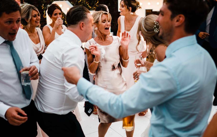 Signature Moments Wedding DJ
