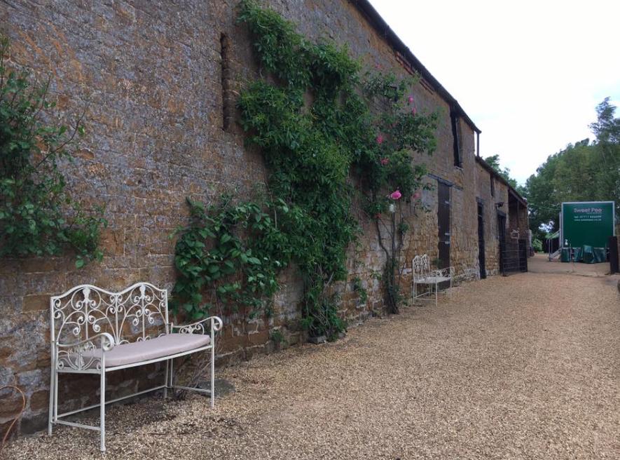 Laurel Farm Oxfordshire wedding venue
