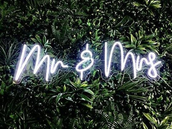 Mr-Mrs-white-neon-sign-for-wedding.jpg