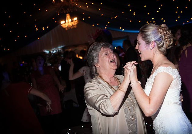 Leanne & Michael Trunkwell House Reading Wedding _ SM Discos