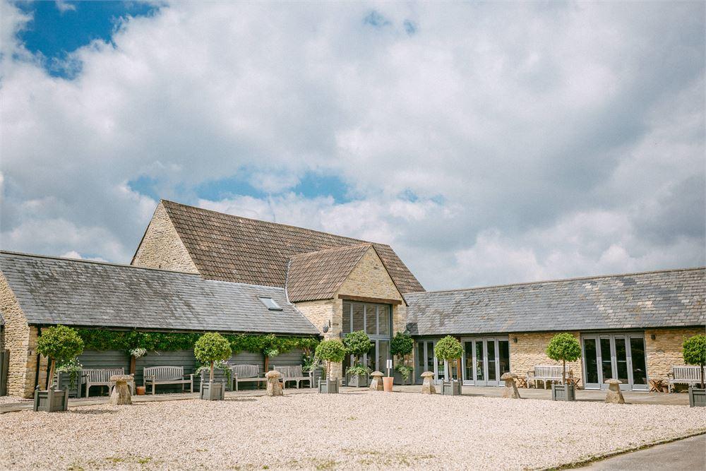 Winkworth Farm Wiltshire Wedding