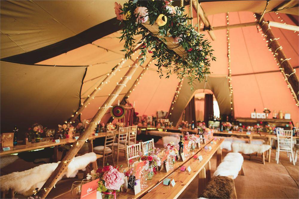 Wedding dj for Hadsham Farm Wedding