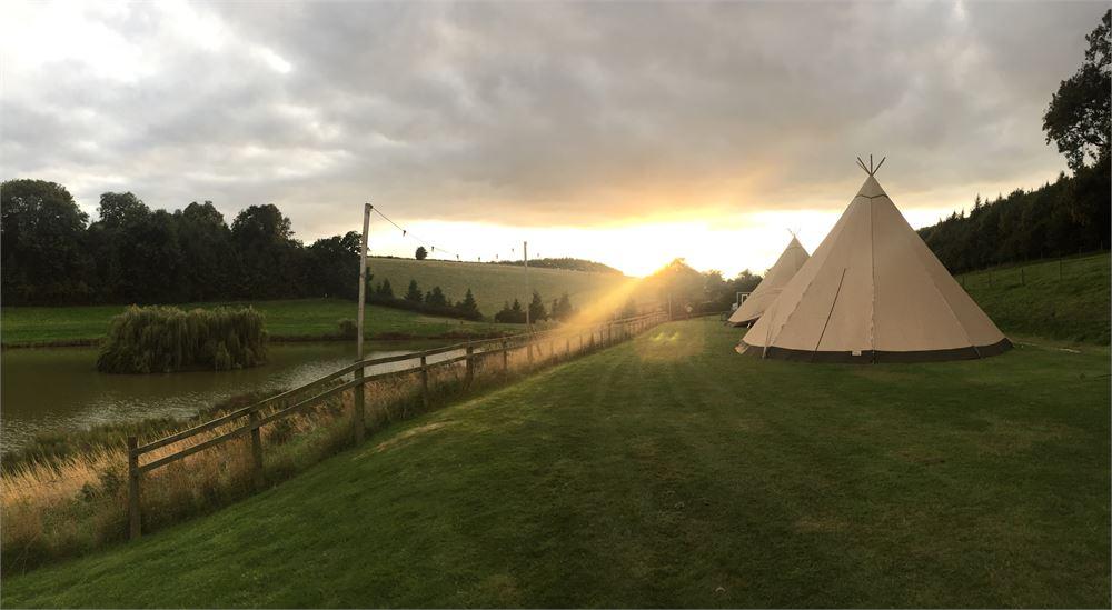 Oxford dj Hadsham Farm Wedding
