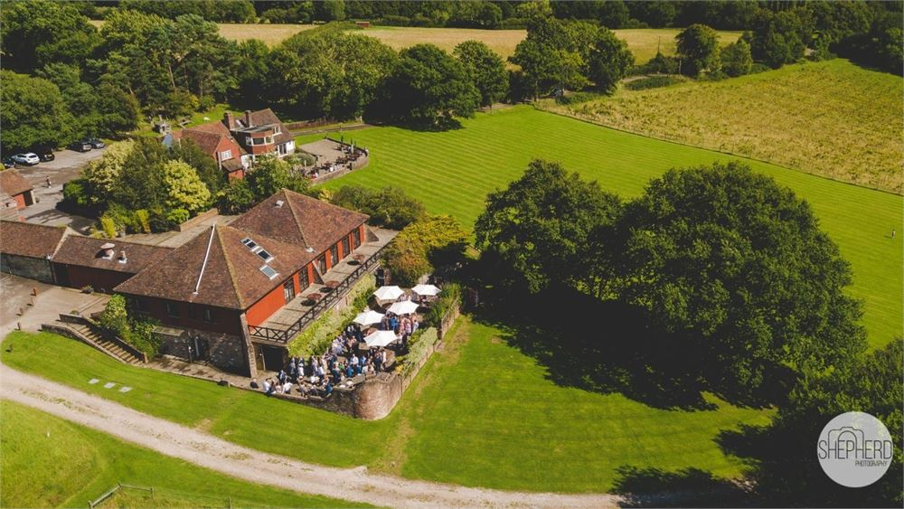 Barnsgate Manor