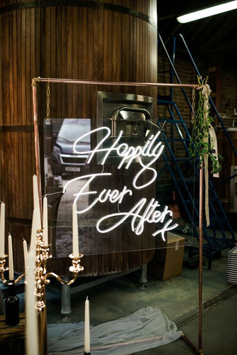 happily ever after neon light Hire Bucki