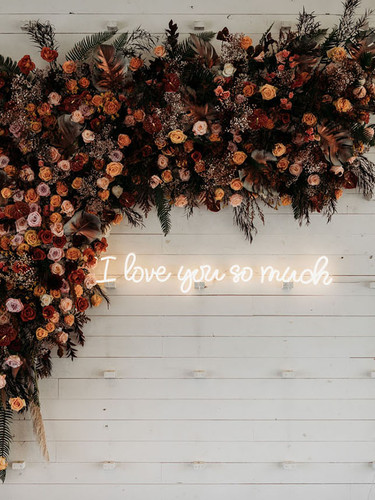 i love you so much neon wedding signs.jp