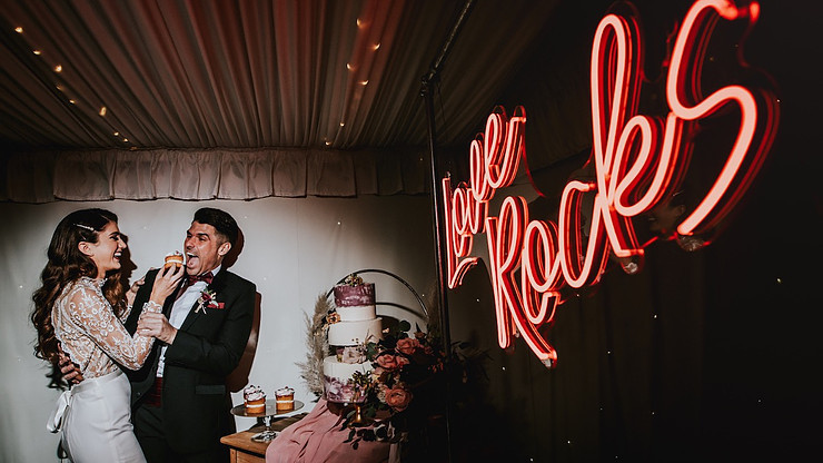 love rocks neon wedding sign