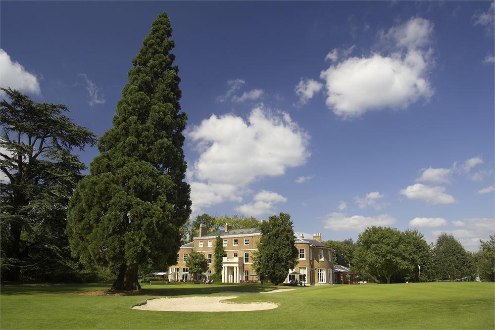 Buckinghamshire Golf Club weddings