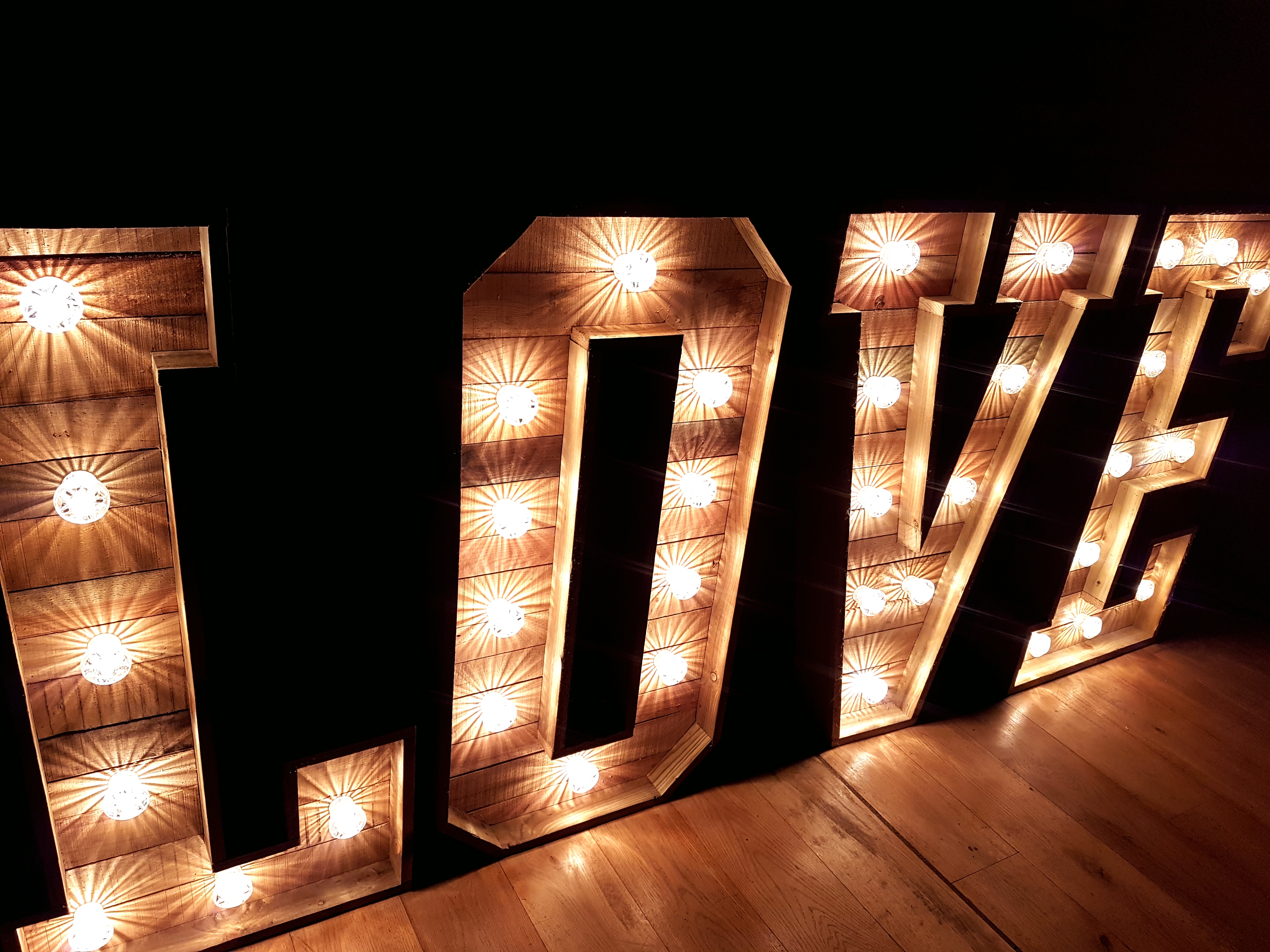 light up wedding love letters