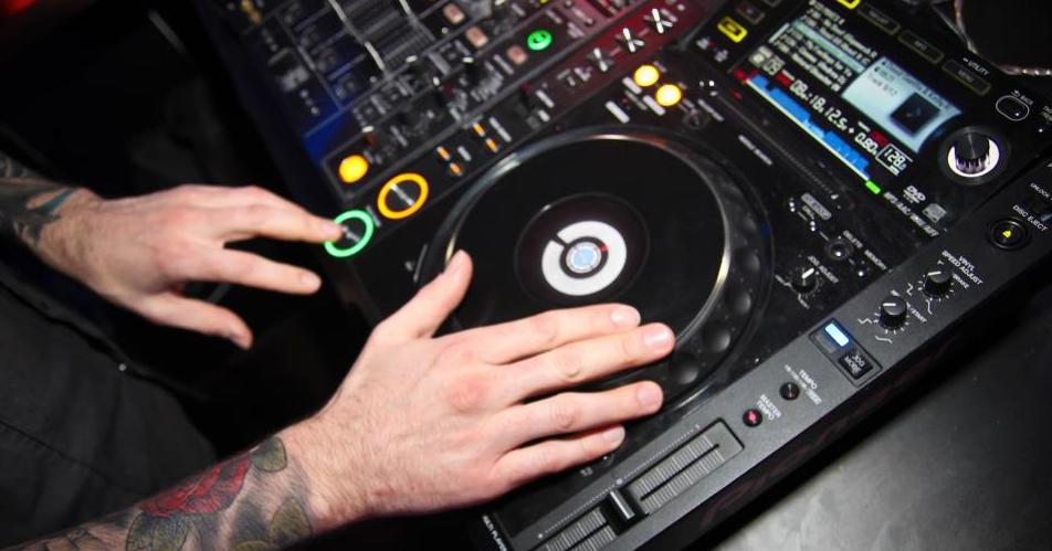 Wedding Birthday & Event DJ Henley On Th