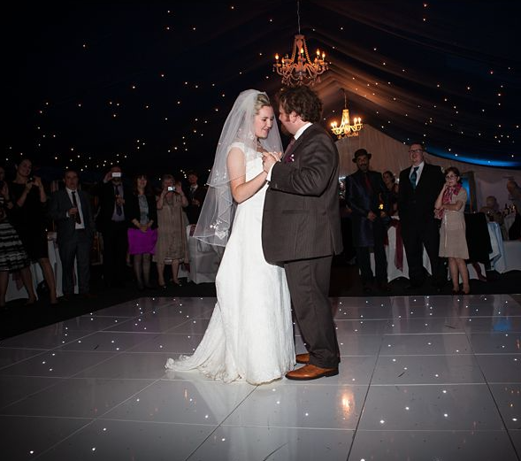 Leanne & Michael Trunkwell House Wedding _ SM Discos First Dance