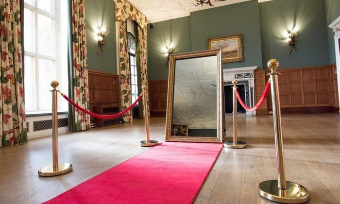 eynsham hall magic mirror