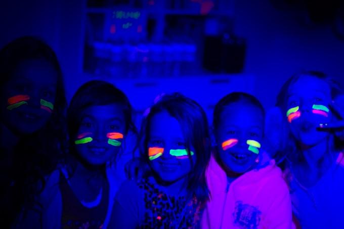kids uv glow party dj