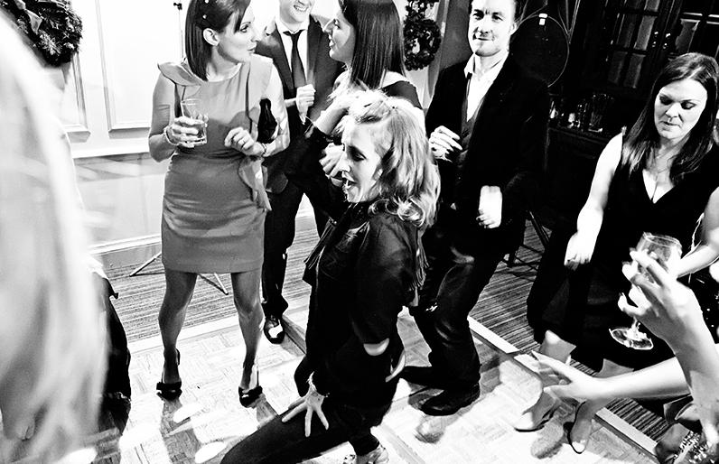 Red Lion Hotel Henley Wedding DJ - Paul & Liannes Wedding Reception www.smdiscos.com