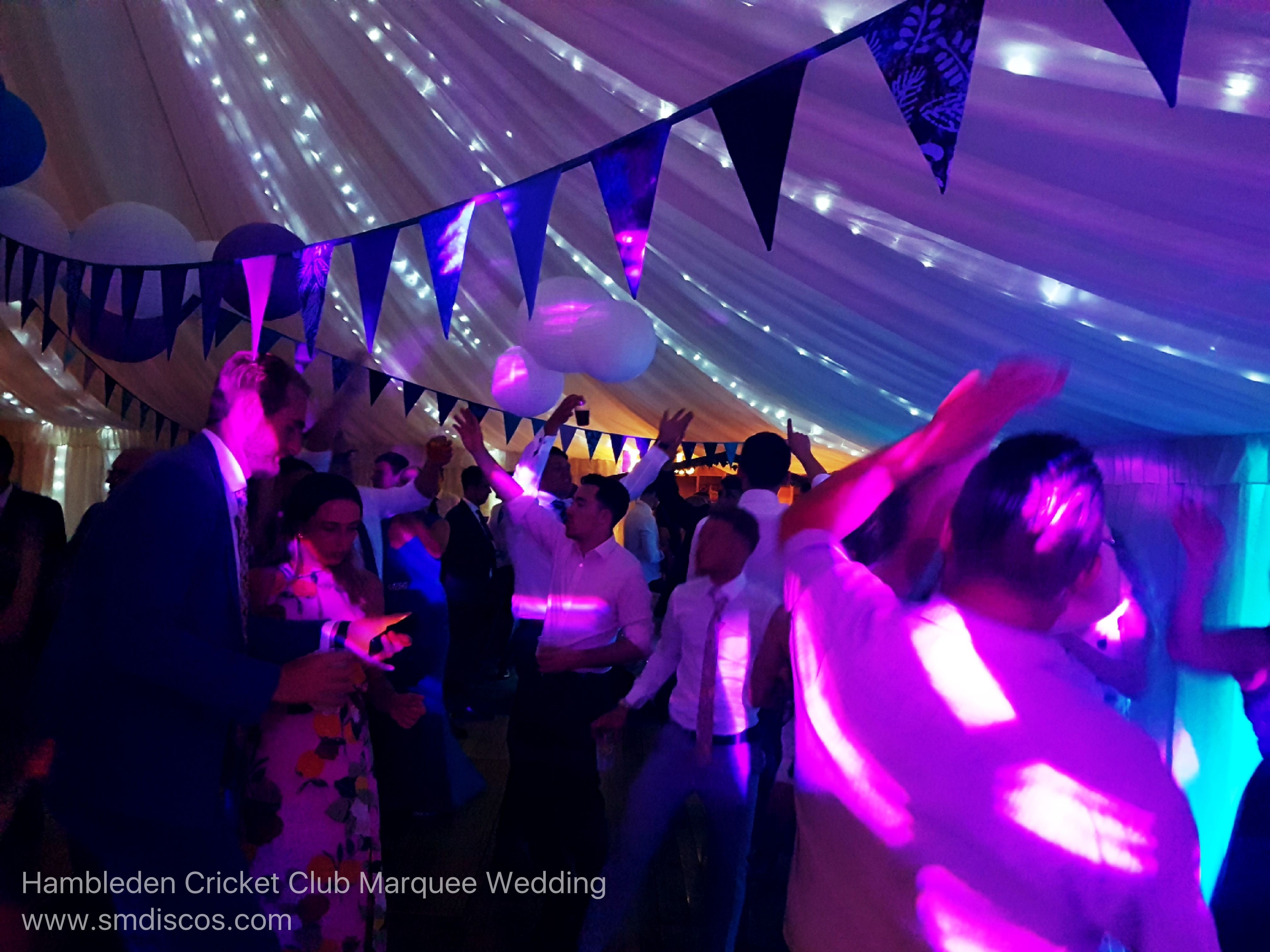 Hands in the air wedding - Henley On Tha