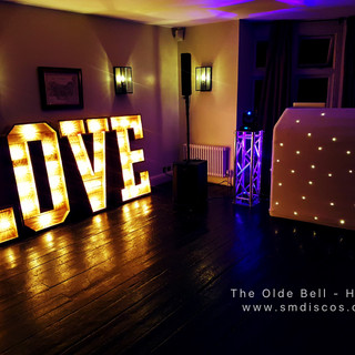 Wedding at The Olde Bell in Hurley.jpg