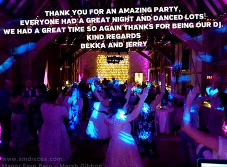 Wedding DJ at Manor Farm Barn in Oxfordshire / Bekka & Jerry