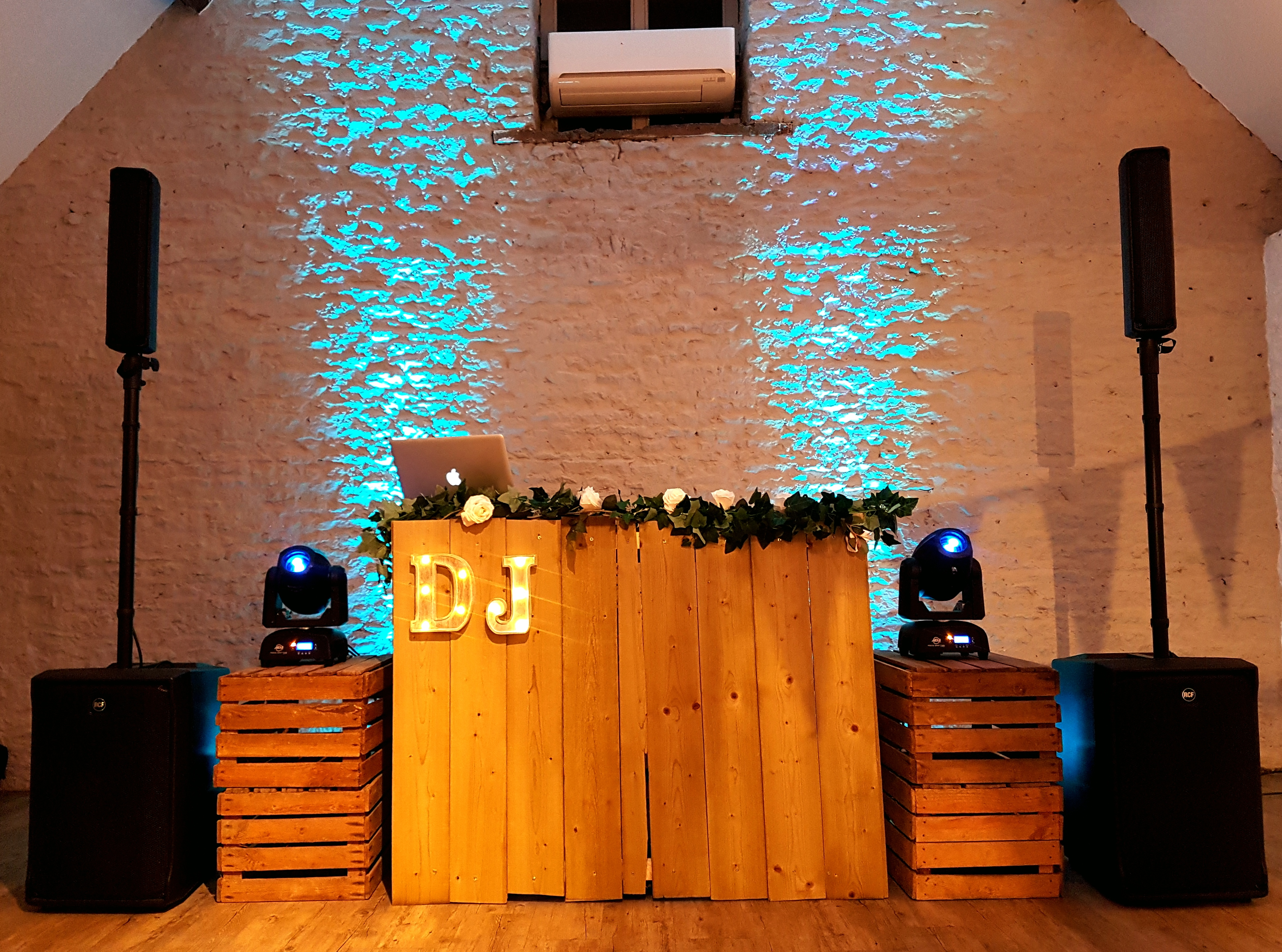 the rustic wedding dj