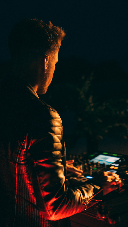 sunset UK DJ Sundown sounds