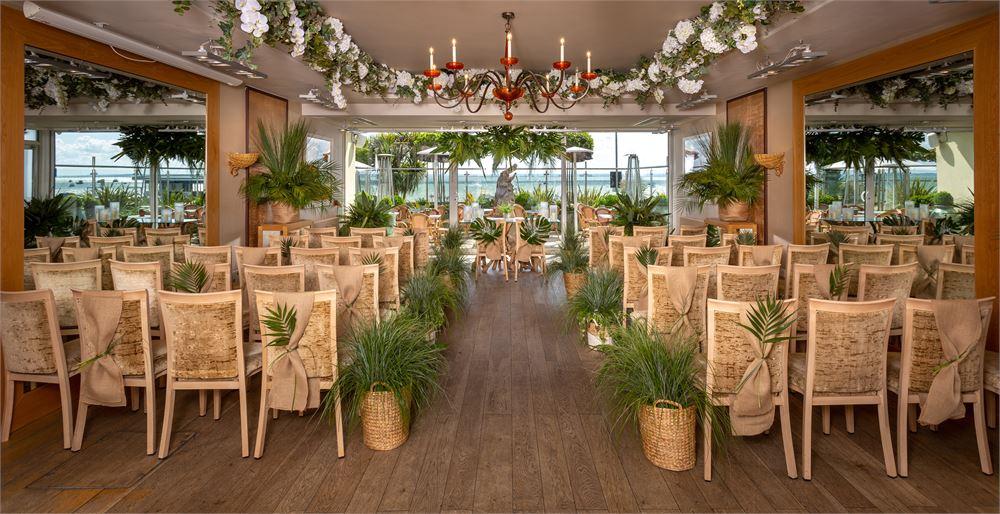 The Roslin Beach Hotel Wedding DJ