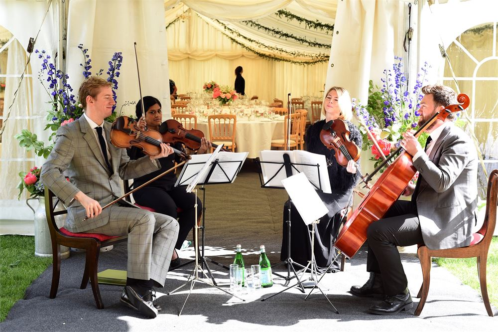 Book musicians at Tofte Manor