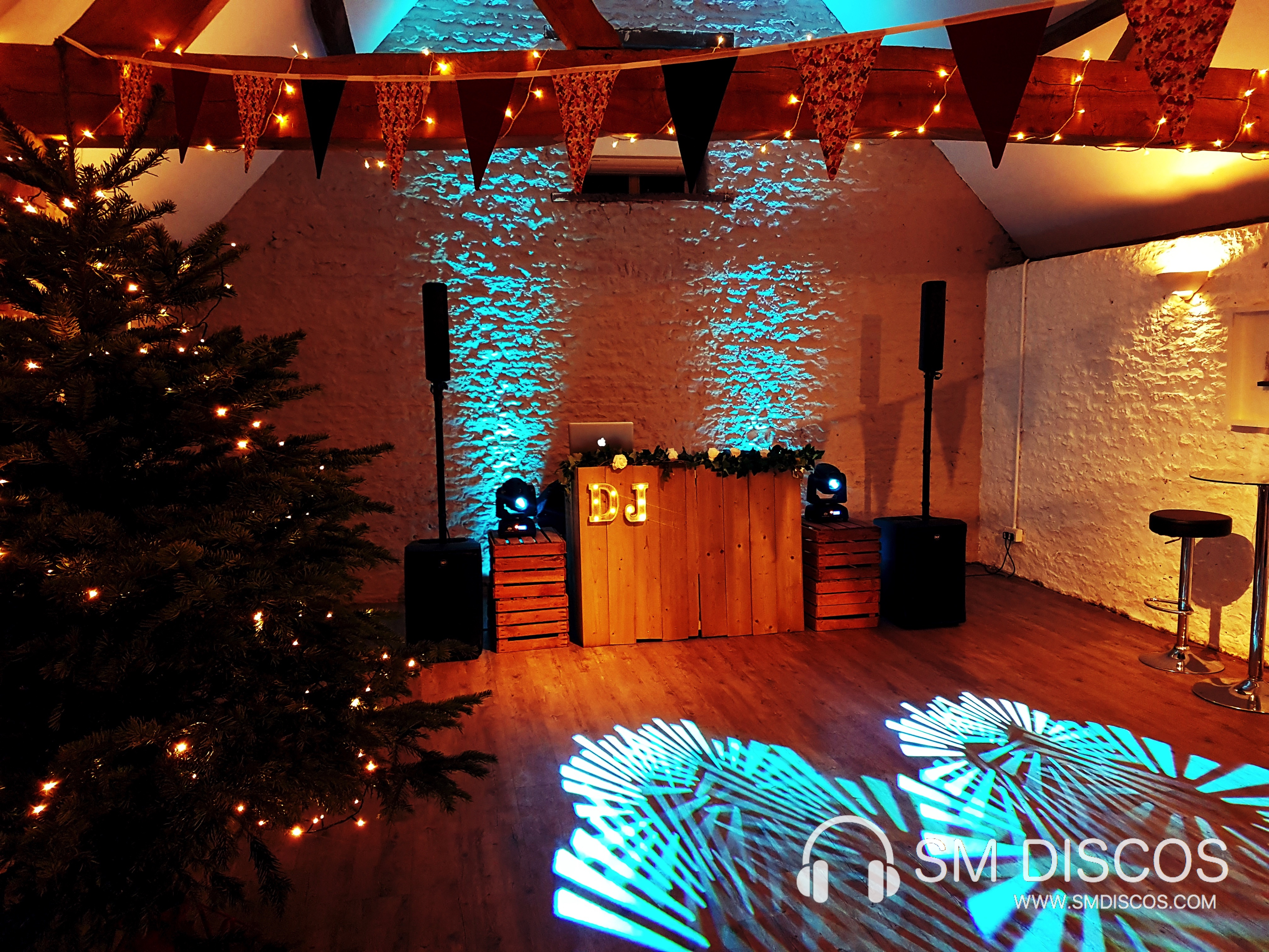 Stratton Court Barn Rustic DJs
