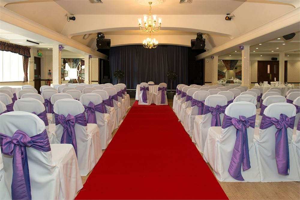 wedding at Calcot Hotel
