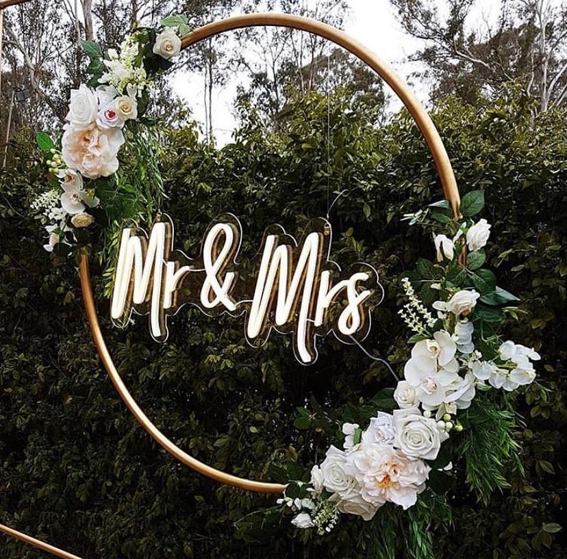Mr & Mrs Neon LED UK