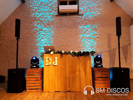 Rustic DJ Set up : Stratton Court Barn.j