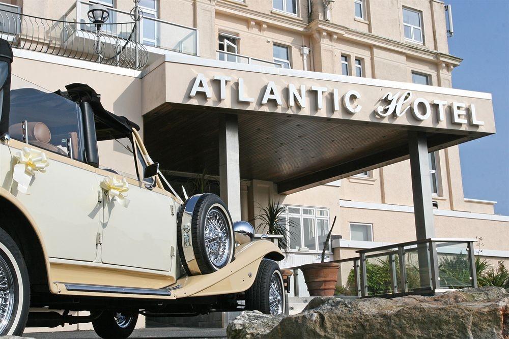 wedding day at The Atlantic Hotel Newqua