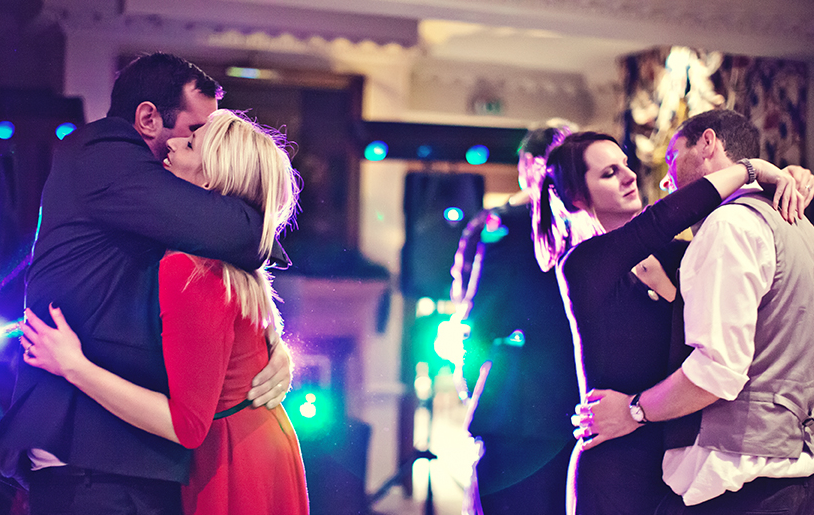 The Red Lion Hotel Henley Wedding DJ - Paul & Liannes Wedding Reception Party SM Discos