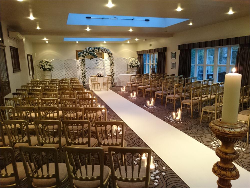 Essex wedding DJ Prested Hall