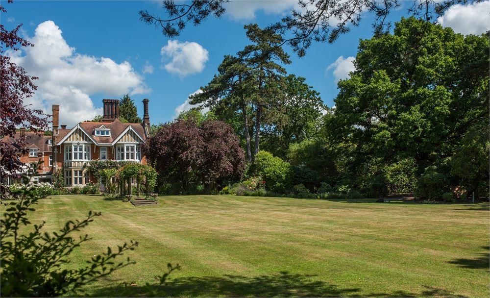 Baddow Park House Chelmsford wedding