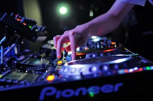 Henley On Thames DJs