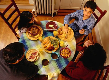 20 years of research proves the most important thing you can do with your kids is to eat dinner with