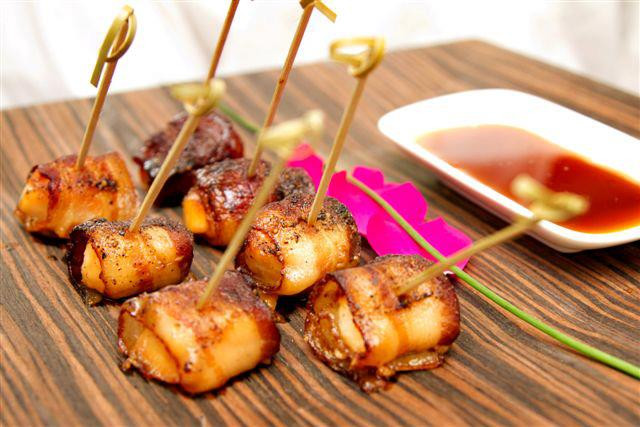 Maple Glazed Scallops Wrapped in Bacon