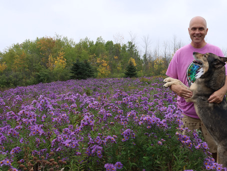 Flowers, Bees & A Fennario-Doggie D'n Up While Ballin' - In Photos  (Oct 5)...
