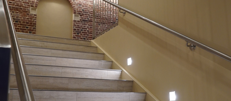 Interior Staircase 01.JPG