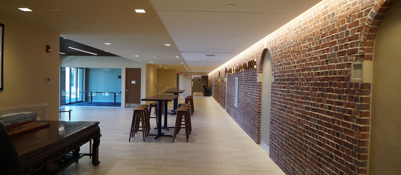 Main Hallway 07.JPG