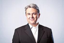Bruno Lancien dirige le cabinet de conseil CLIVEMAN depuis 2010. Il intervient depuis plus de 20 ans auprès des directions générales des instituts de recherche, de l'enseignement supérieur et la recherche en matière de management des données numériques.   DPO certifié par l'AFNOR (n° 3003285), il intervient en assistance auprès des référents RGPD et des DPO sur les opérations de mise en conformité.   Sa valeur ajoutée : une longue pratique professionnelle du conseil au service du secteur public et privé, une expérience longue de la culture de la recherche et le management de l'innovation.