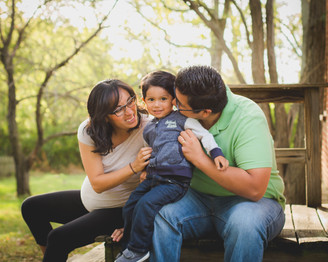Family maternity session at Leroy Oaks in St. Charles. St.Charles IL photographer. Composed and Exposed Photography