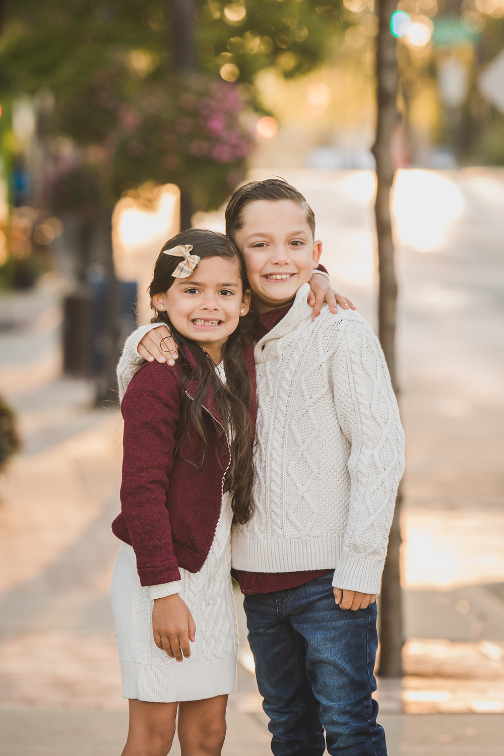 siblings photography, downtown Batavia, Kane County Photographer, South Elgin IL photographer, Batavia IL photography,
