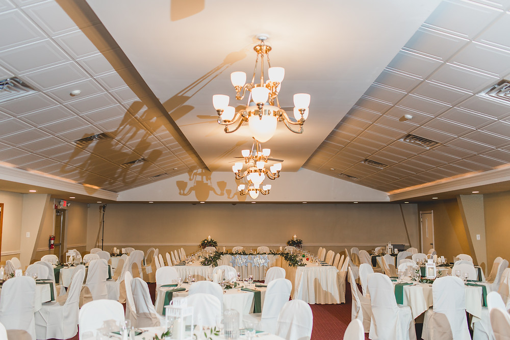Riverview Banquets in Batavia IL, winter themed wedding,