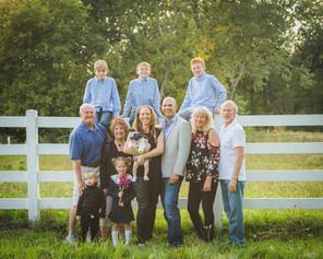 Summer extended family photos. Family Photographer. Illinois photographer